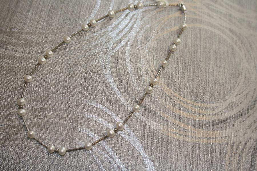 silver-&amp-pearl-necklaces-s1-4