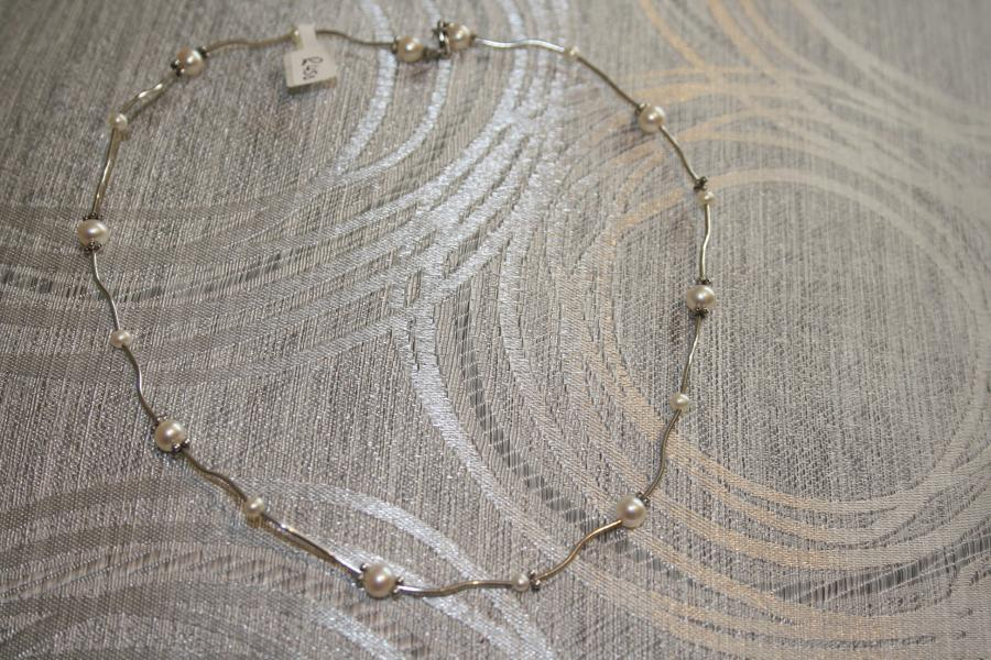 silver-&-pearl-necklaces-s1-2-